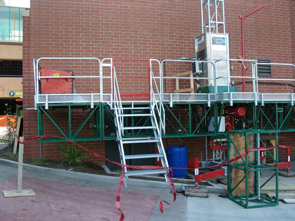 Universal Scaffold Systems : Hydro mobile mast climber rental work platforms